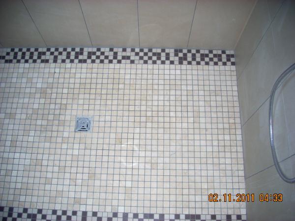 Referenz der Firma E. Miller in Krailling, Würmtal aus dem Jahr 2011 in Bachern – Dusche Boden