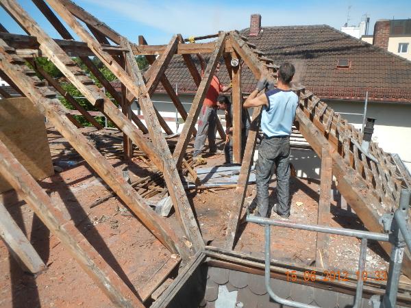 Referenz der Firma E. Miller in Krailling, Würmtal aus dem Jahr 2012 in Planegg – Dacharbeiten