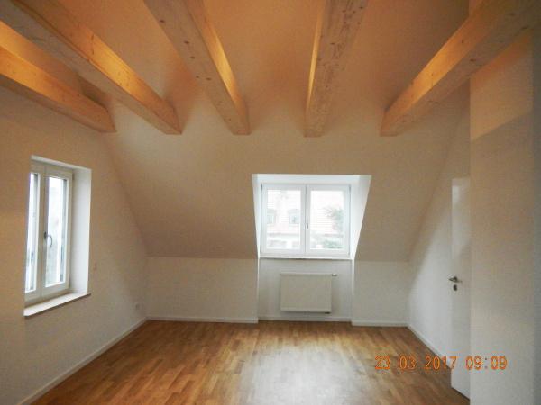Referenz der Firma E. Miller in Krailling, Würmtal aus dem Jahr 2017 in München – Raum mit Dachfenster