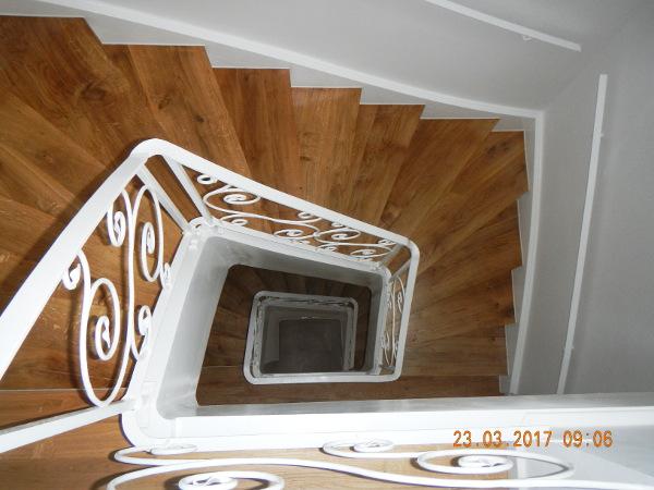 Referenz der Firma E. Miller in Krailling, Würmtal aus dem Jahr 2017 in Müncehn – Treppe