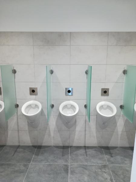Referenz der Firma E. Miller in Krailling, Würmtal aus dem Jahr 2017 / 2018 im Raum München – Urinale