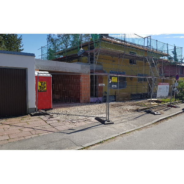 Referenz der Firma E. Miller in Krailling, Würmtal aus dem Jahr 2019 – Komplettsanierung Einfamilienhaus in München – Garagenbau
