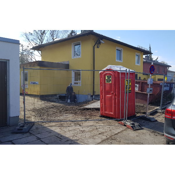 Referenz der Firma E. Miller in Krailling, Würmtal aus dem Jahr 2019 – Komplettsanierung Einfamilienhaus in München – Vor Garagenbau